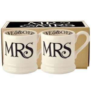 Black Toast 'Mrs & Mrs' Set of 2 1/2 Pint Mugs Boxed